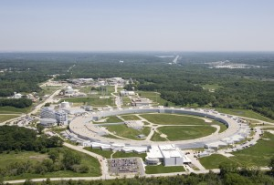 Aerial View of the Advanced Photon Source (APS), one of seven synchrotron lightsources in the United States and about 50 worldwide. (Photo: Argonne National Laboratory)