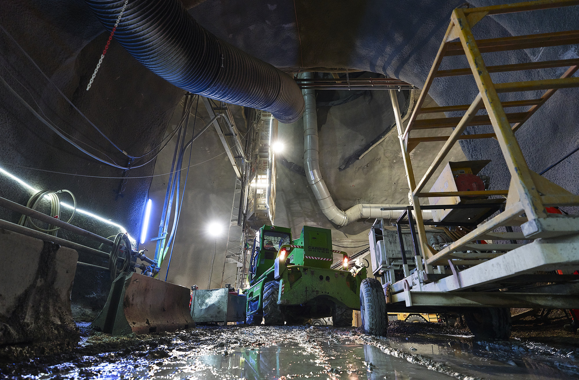 Heavy equipment in the tunnel