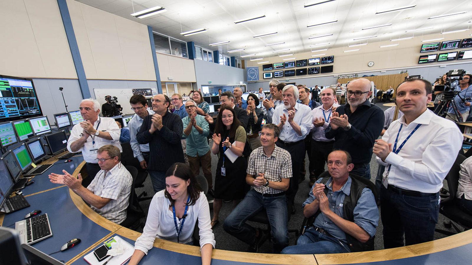 Photo: 13 TeV applause