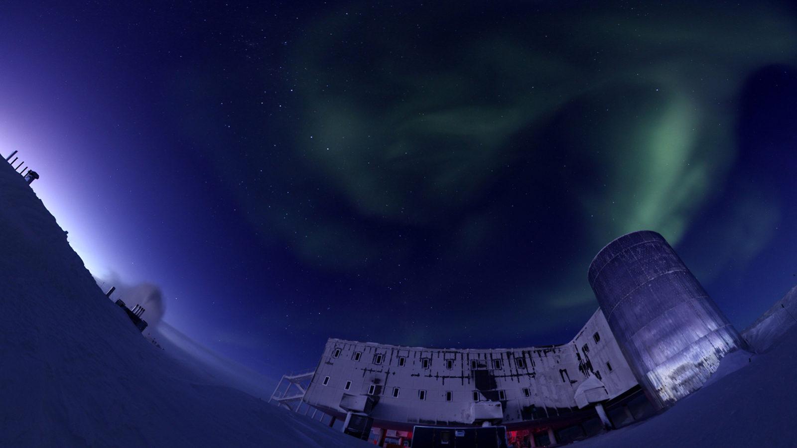 Photo of South Pole Telescope southern lights