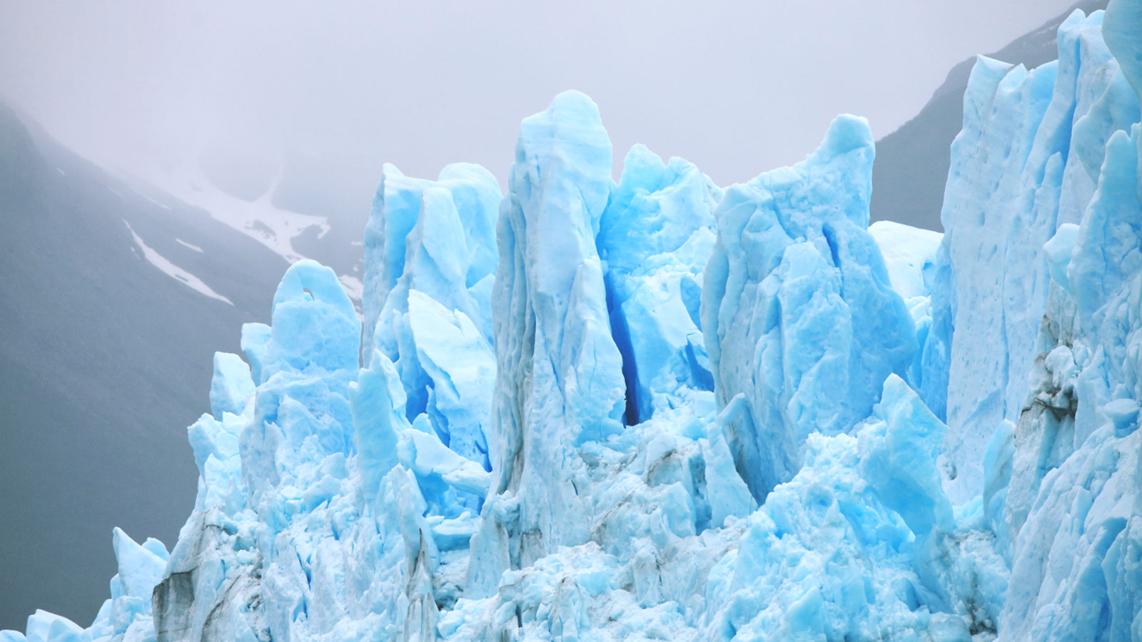 Tracking glaciers with accelerators | symmetry magazine