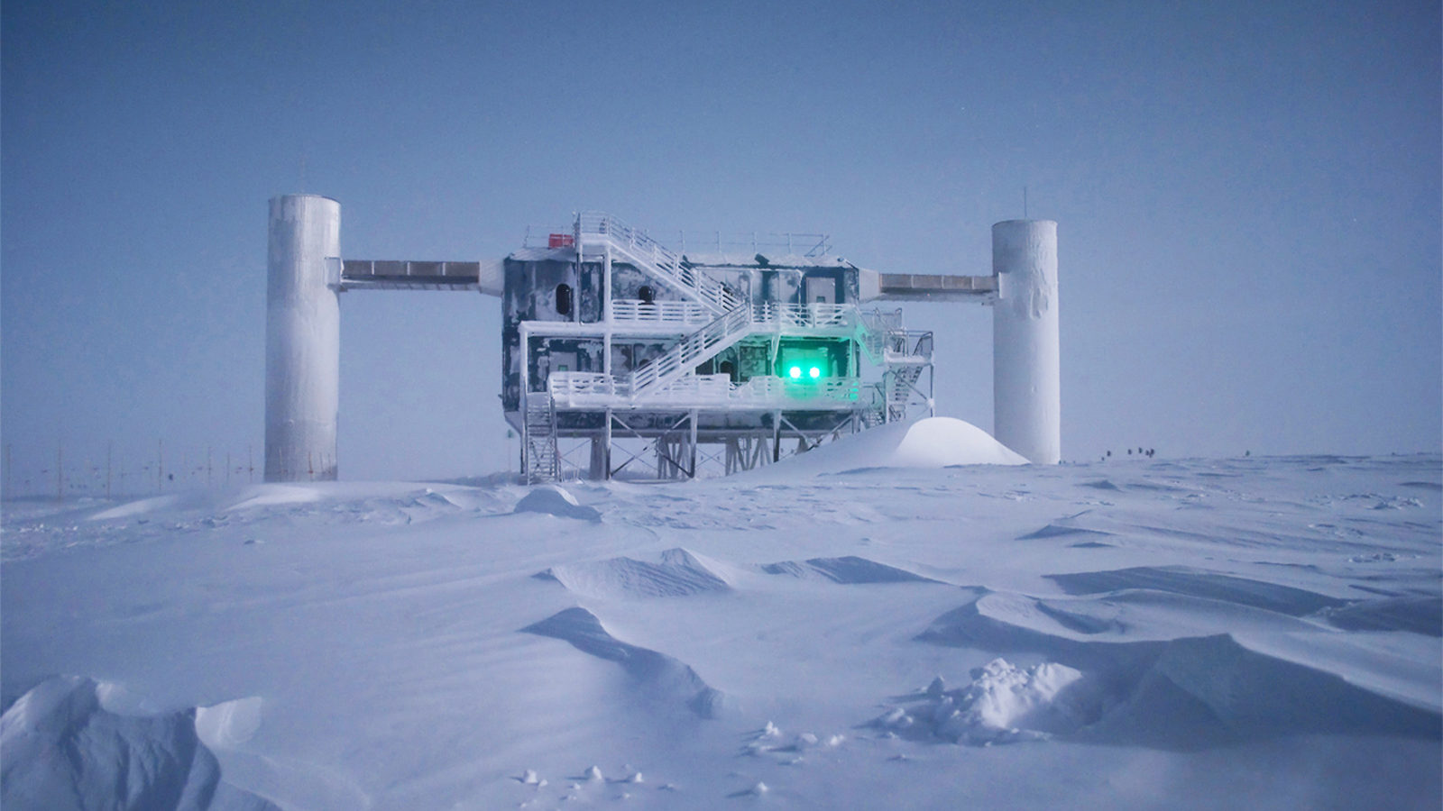 Icy experiment catches record-energy neutrinos | symmetry magazine