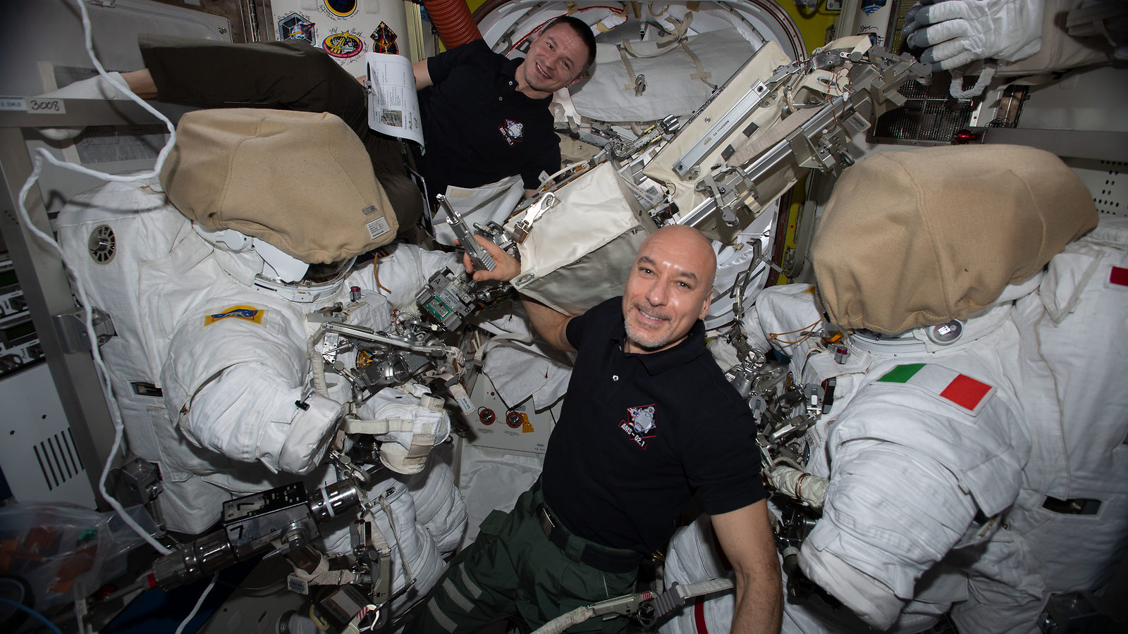 ISS astronauts start AMS repair