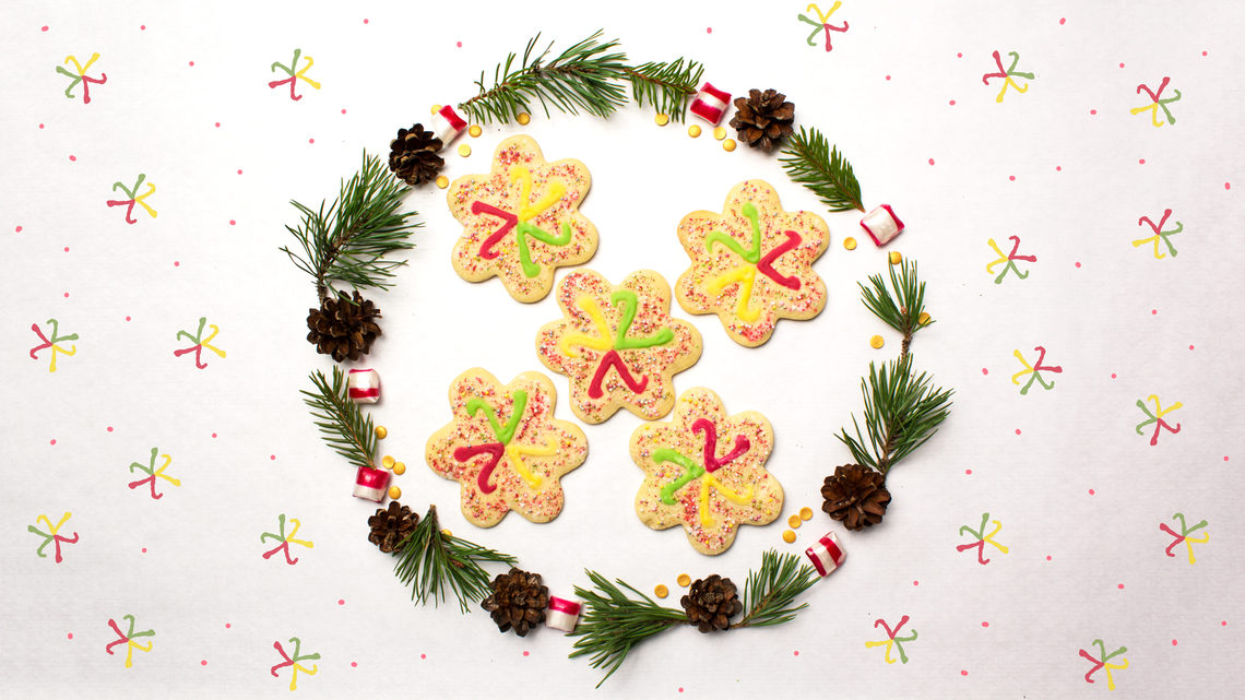 Neutrino cookies, inside wreath with polka dot background