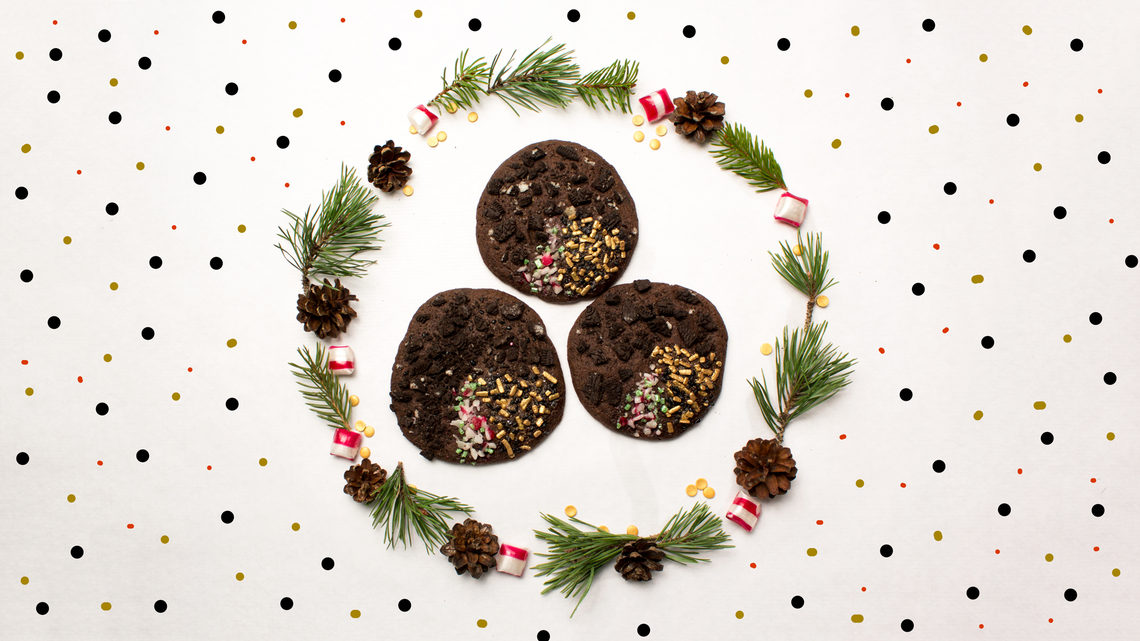 Dark energy cookies, inside wreath with polka dot background