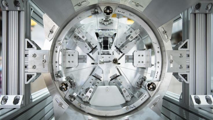 A silver apparatus for the Mu2e experiment